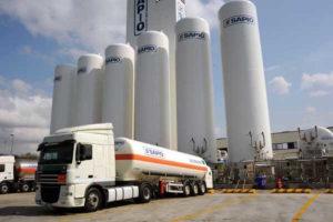 Trasporto ossigeno con camion e TIR, serbatoi ossigeno